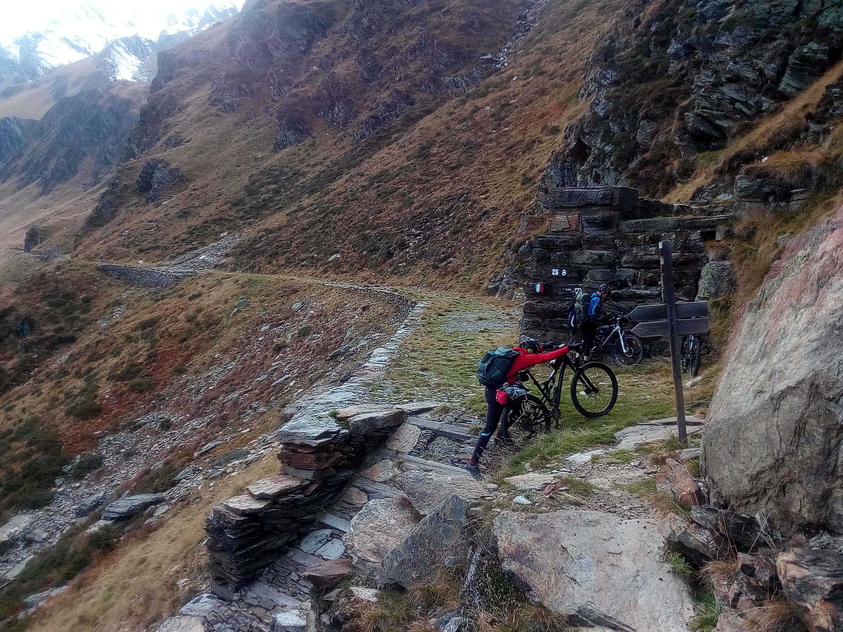 Alpencross-Abschnitt mit extremer Steigung